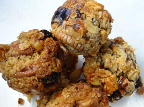Honey, Date, Nut & Oat Clusters 1 (5)